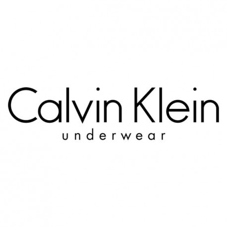 <p>Calvin Klein est la figure emblématique du prêt-à-porter américain primé en 1999 &amp; 2001, connu pour son parfum unisexe CK One, ses jeans, ses lunettes et ses sous-vêtements.</p> <p>Calvin Klein est aujourd'hui l'un des principaux studios de création de mode dans le monde et figure parmi les lignes de « diffusion » les plus prestigieuses.</p> <p>Calvin Klein s'impose donc naturellement comme étant un incontournable de la lingerie pour hommes grâce à des modèles façonnés avec une qualité irréprochable qui vous apporteront raffinement, confort et bien-être.</p>